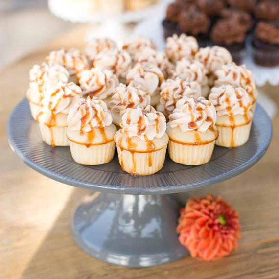 jess-clint-wedding-desserts-265-s111420-0814.jpg
