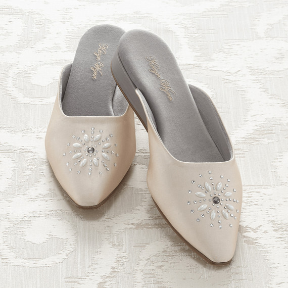 darcys-diary-kevyn-wynn-slippers-marlowe-0516.jpg