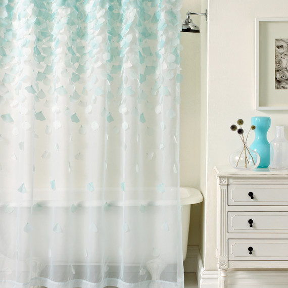 msmacys-checklist-bathroom-showercurtain-0515.jpg