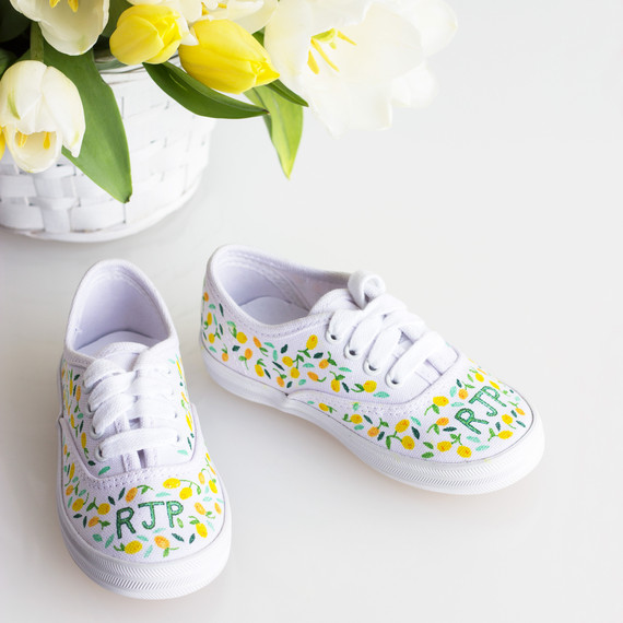 david_stark_design_diy_monogrammed_shoes_1_intro.jpg