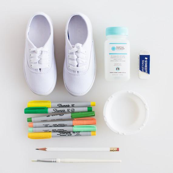 david_stark_design_diy_monogrammed_shoes_2_materials.jpg