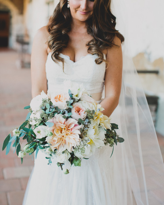 38 Dreamy Dahlia Wedding Bouquets