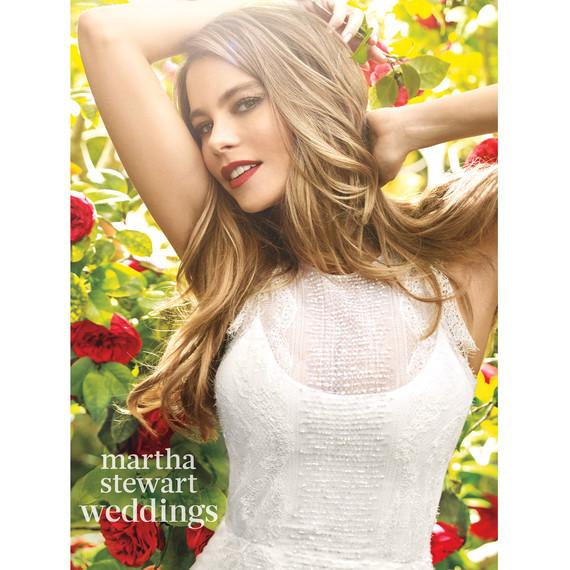 sofia-vergara-m06-white-bridal-gown-054v2-d112252-r1-0815.jpg