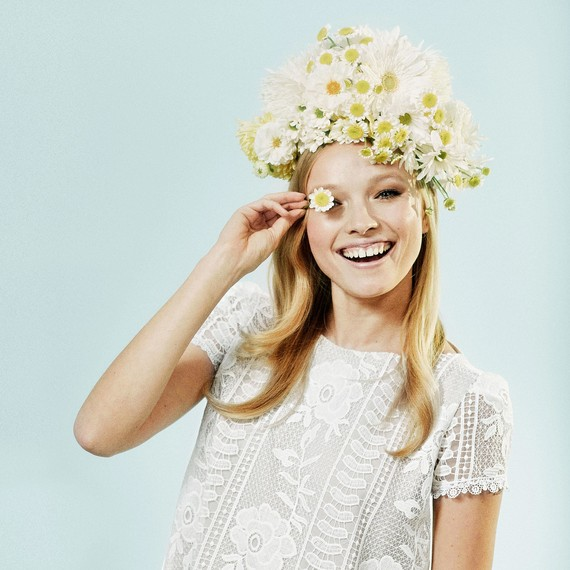 white yellow flower headpiece daisy gerbera chrysanthemum