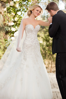 essense of australia wedding dress sweetheart