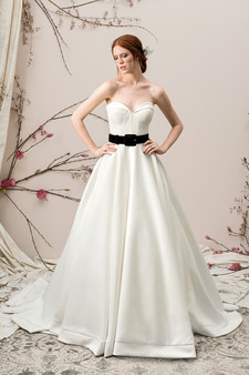 justin alexander signature sweetheart gown with black belt