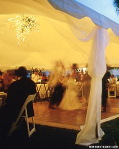 wed_w99_tents_07_m.jpg
