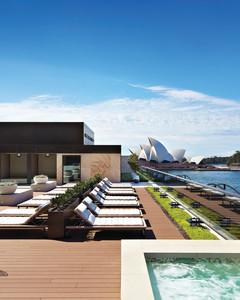 sydney-rooftop-pool-mwds109132.jpg