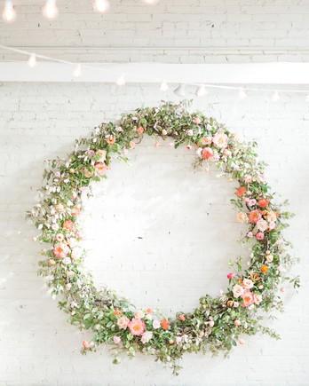 floral hoop decoration