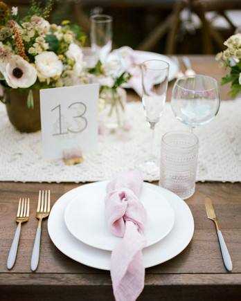 amanda chase wedding place setting centerpieces and table runner