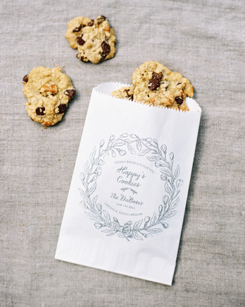 irby-adam-wedding-cookies-209-s111660-1014.jpg