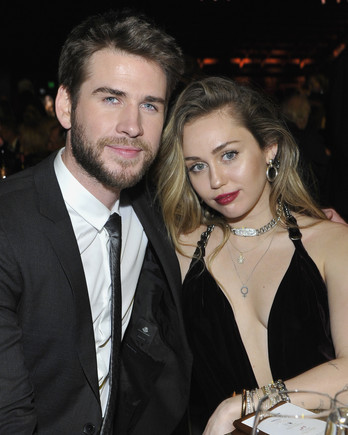 miley cyrus and liam hemsworth married couple
