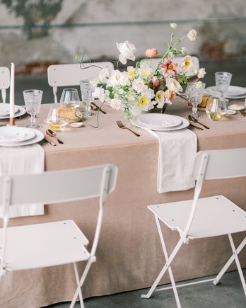 summer rehearsal dinner tablescape