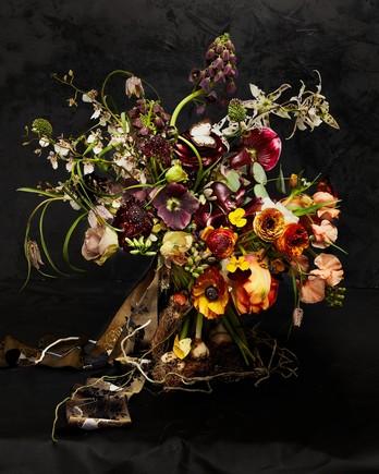 Putnam & Putnam flower arrangment