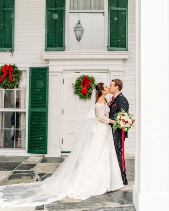 lauren christian christmas wedding couple outside kissing