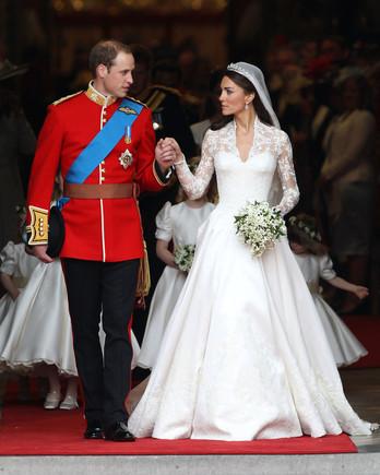 royal-wedding-dress-kate-middleton-113266472-1115.jpg