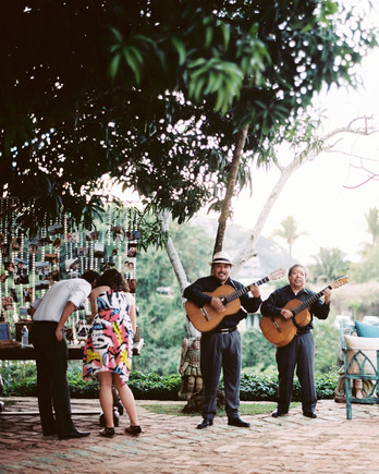 rebecca-eji-wedding-cocktail-hour-451-s113057-0616.jpg