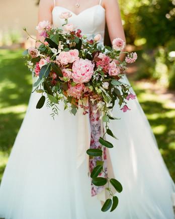 emer cooper wedding wisconsin bouquet