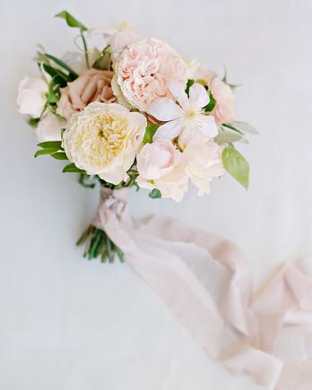 aislinn eric wedding malibu garden roses bouquet