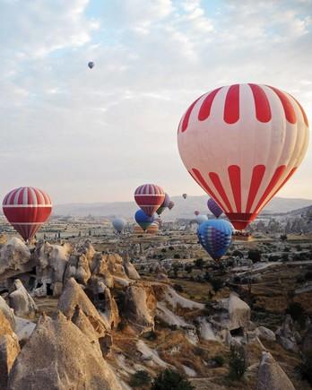 travel-honeymoon-diaries-hot-air-balloons-over-turkey-112965.jpg