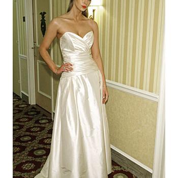 Siri, Spring 2009 Bridal Collection