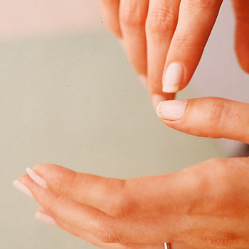 How to Fix Chipped Polish