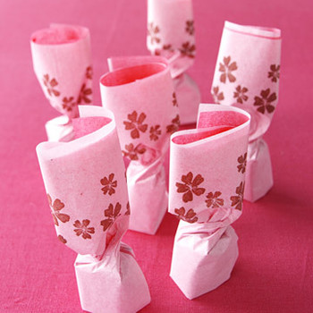 Pink and Brown Elegant and Easy Wedding Favors