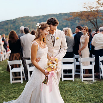 A Vibrant Casual Outdoor Wedding in Tennessee