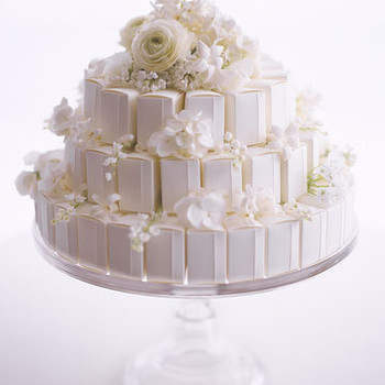 White Favors: Boxed Groom's Cake