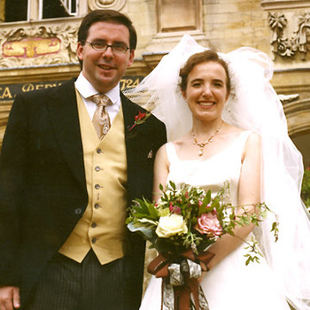 A Traditional Destination Wedding in Cambridge, England