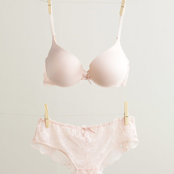 5 Expert Tips for Finding the Right Bridal Lingerie for You