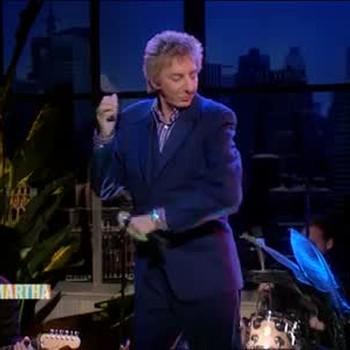 Barry Manilow Performs Copacabana