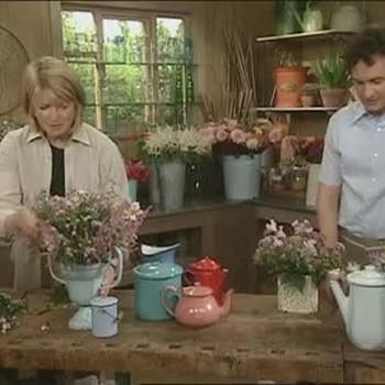 How to Arrange Flowers in Enamel Pots
