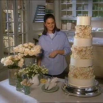 Constructing a Rose Wedding Cake, Part 2.
