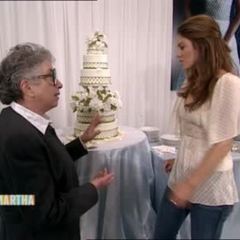 How to Choose a Wedding Cake and Ask Martha