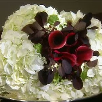 How to Arrange Dramatic Black and White Bouquets
