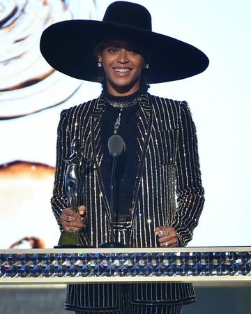 Beyonce CFDA Awards 2016