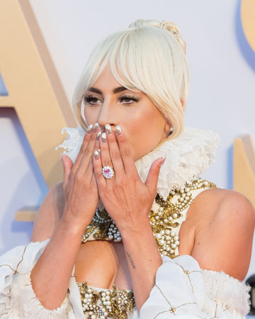 lady gaga and her pink sapphire ring