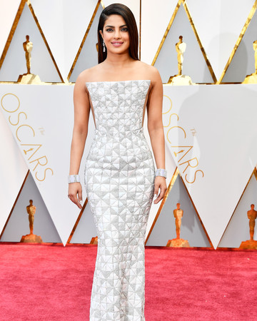 Priyanka Chopra 2017 Oscars Red Carpet