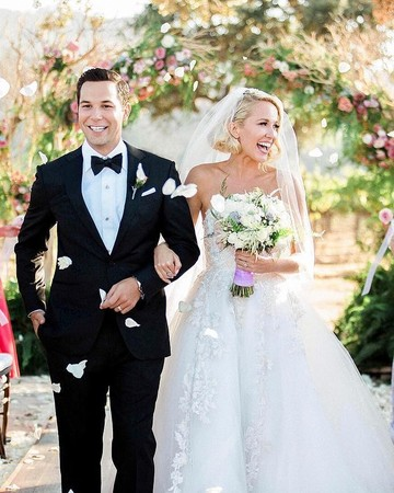 Anna Camp and Skylar Astin Walking Up Aisle