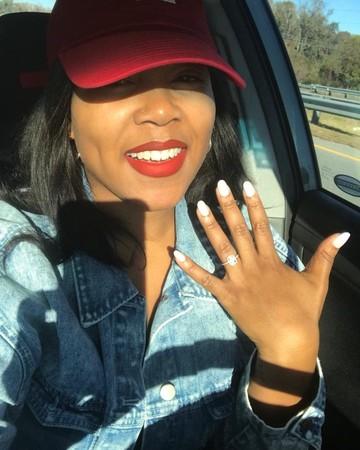 Sarah Michelle Gellar Engagement Viral