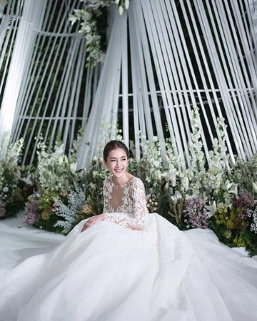 Noey Chotika Wongwilas Wedding Dress