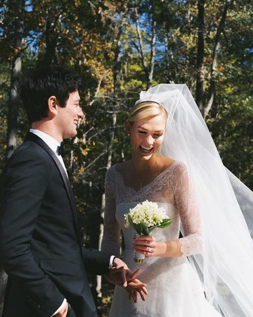 joshua kushner and karlie kloss on their wedding day