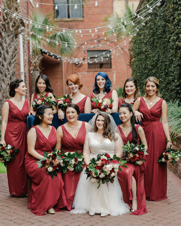 elizabeth seth wedding bride with bridesmaids