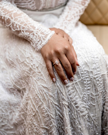 elle raymond venice wedding ring dress detail