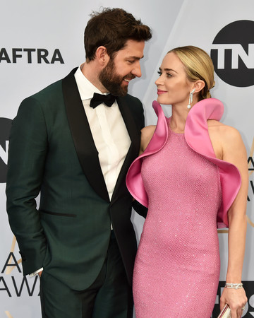 emily blunt and john krasinski on the sag awards red carpet
