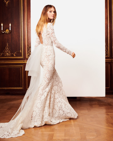 oscar de la renta fall 2018 wedding dress