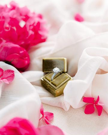 stephanie nikolaus wedding ring