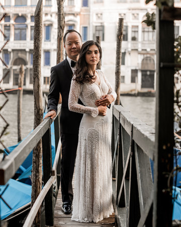 elle raymond venice wedding couple on dock