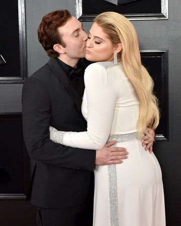 meghan trainor and daryl sabara grammys 2019 red carpet